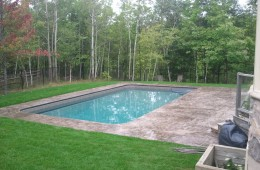Backyard Pool – Sophisticated 4